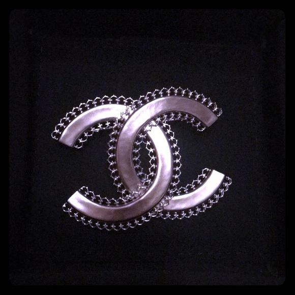 49ef4c939af15 Chanel metal silver pin brooch